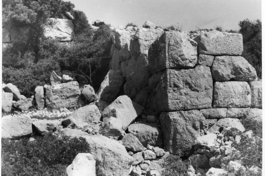Ζάραξ: πύλη εισόδου εντός της αρχαίας πόλης